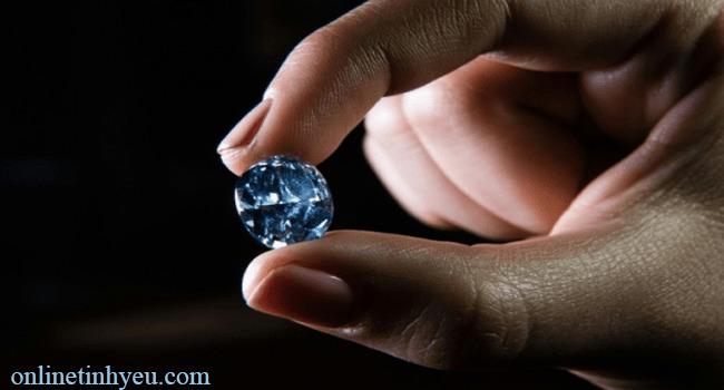 Viên kim cương không tì vết
