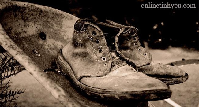 Đôi giầy có tiền xu